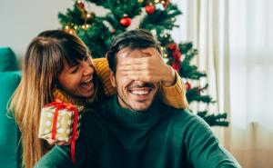 Idei de cadouri creative pentru barbati